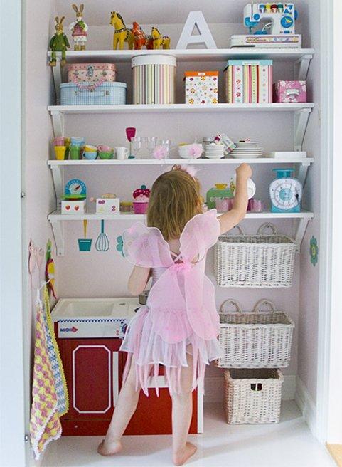 Фотография: Детская в стиле Прованс и Кантри, Современный, Интерьер комнат, Системы хранения – фото на InMyRoom.ru