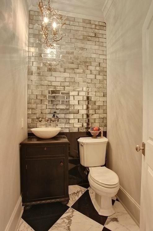 Фотография: Ванная в стиле Прованс и Кантри, Малогабаритная квартира, Интерьер комнат, Советы, Зеркала – фото на INMYROOM