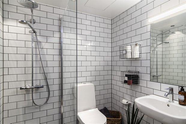 Фотография: Ванная в стиле Современный, Эклектика, Декор интерьера, Малогабаритная квартира, Квартира, Студия, Швеция, Стокгольм, Серый, до 40 метров – фото на INMYROOM