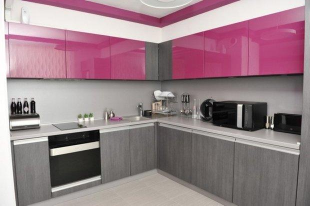 Фотография: Кухня и столовая в стиле Хай-тек, Декор интерьера, Дом, Дизайн интерьера, Цвет в интерьере, Белый – фото на INMYROOM