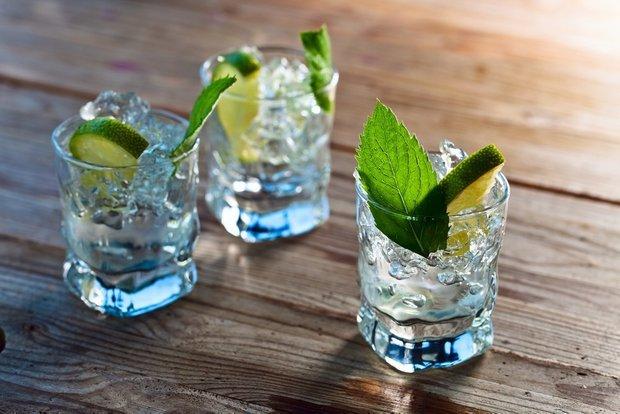 Фотография:  в стиле , мифы, Обзоры, Алкоголь, Водка – фото на INMYROOM