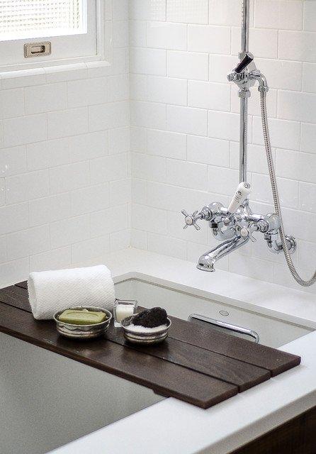 Фотография: Ванная в стиле Прованс и Кантри, Интерьер комнат – фото на INMYROOM