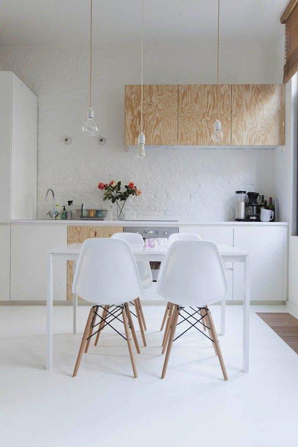 Фотография: Кухня и столовая в стиле Эко, Современный, Малогабаритная квартира, Квартира, Мебель и свет, дизайн маленькой кухни, как обустроить маленькую кухню, идеи для маленькой кухни, kuhnya-8-kv-metrov – фото на INMYROOM