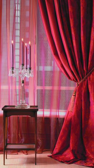 Фотография: Декор в стиле Классический, Декор интерьера, Дизайн интерьера, Мебель и свет, Цвет в интерьере, Стены, Розовый, Фуксия – фото на InMyRoom.ru
