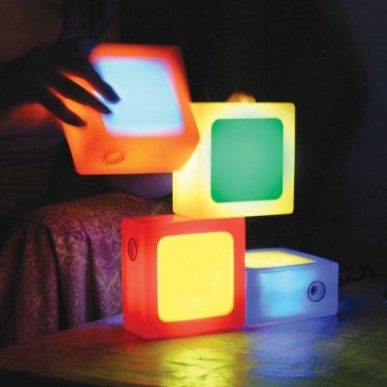 Фотография: Мебель и свет в стиле Современный, Детская, Интерьер комнат, Роспись – фото на INMYROOM