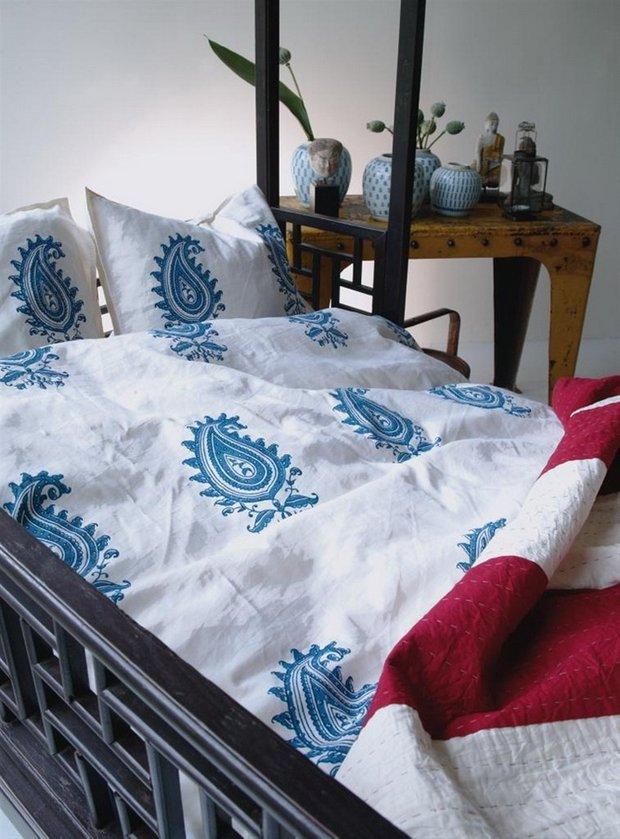 Фотография: Спальня в стиле Прованс и Кантри, Современный, Восточный, Декор интерьера, Декор дома, Ковер – фото на INMYROOM