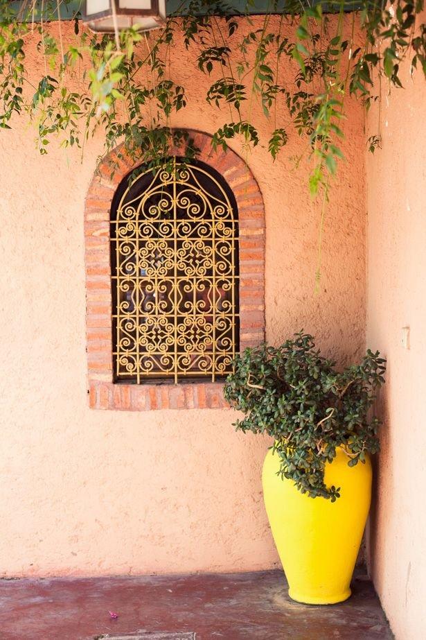 Фотография: Балкон, Терраса в стиле , Декор интерьера, Дизайн интерьера, Цвет в интерьере, Желтый – фото на INMYROOM