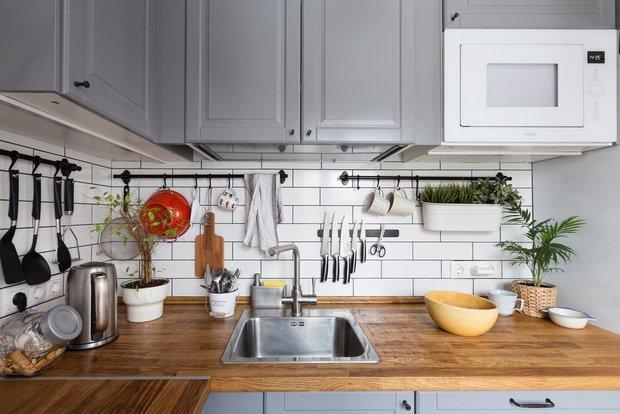 Фотография:  в стиле , Кухня и столовая, Квартира, Гид, ИКЕА, кухня в хрущевке, как обустроить кухню в хрущевке, Хрущевка – фото на INMYROOM