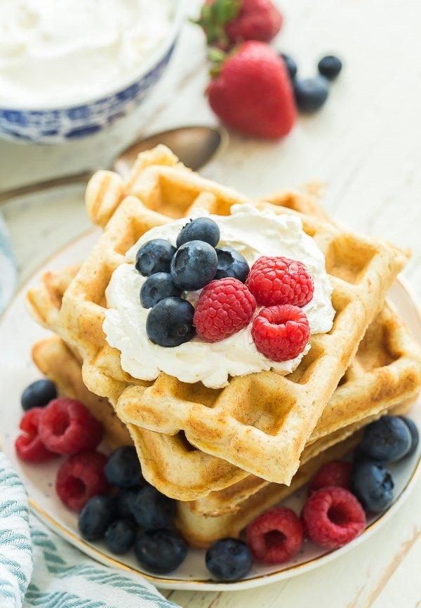Фотография:  в стиле , Жарить, Кулинарные рецепты, Легкий завтрак, 15 минут, Молоко, Европейская кухня, Просто, Рикотта – фото на INMYROOM
