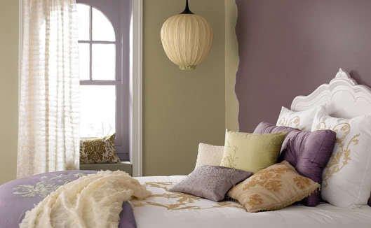 Фотография: Спальня в стиле Восточный, Эклектика, Декор интерьера, Мебель и свет, Цвет в интерьере, Стиль жизни, Советы – фото на INMYROOM