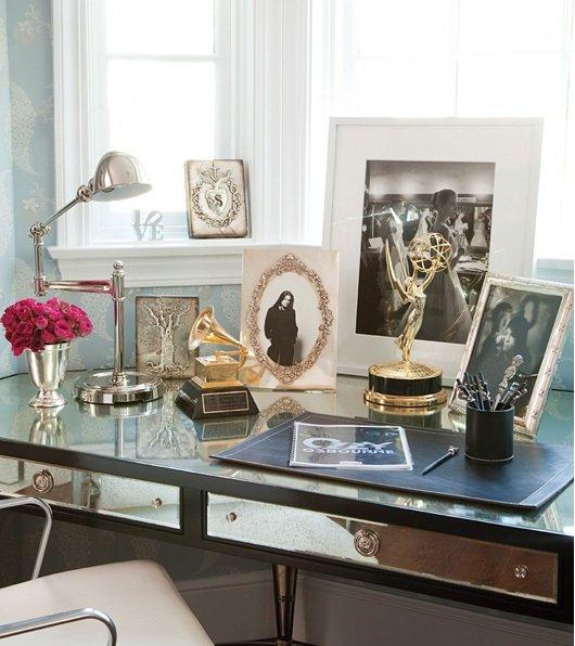 Фотография: Офис в стиле Классический, Современный, Эклектика, Дом, Дома и квартиры, Интерьеры звезд – фото на INMYROOM