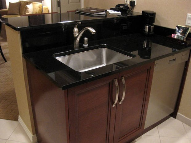 Фотография:  в стиле , Кухня и столовая, Интерьер комнат, Встраиваемая техника – фото на INMYROOM