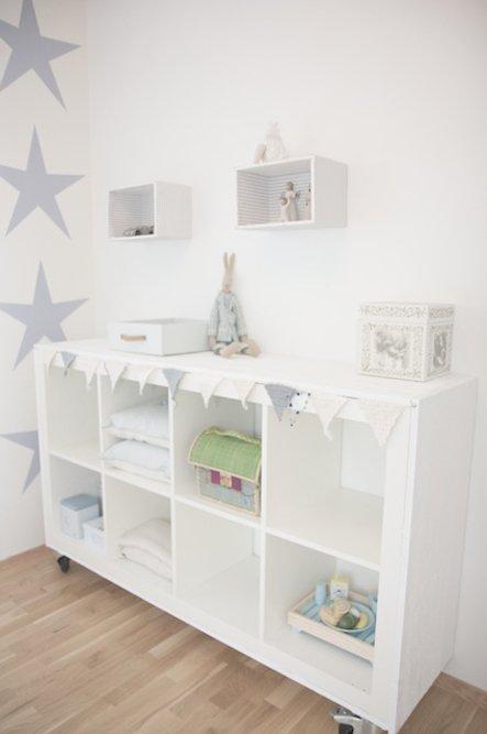 Фотография: Мебель и свет в стиле Современный, Детская, Интерьер комнат, Системы хранения – фото на INMYROOM