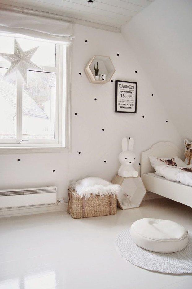 Фотография: Детская в стиле Скандинавский, Советы, пластиковые окна, как утеплить окна в квартире, REHAU, Безопасный дом, как сделать дом комфортным – фото на INMYROOM