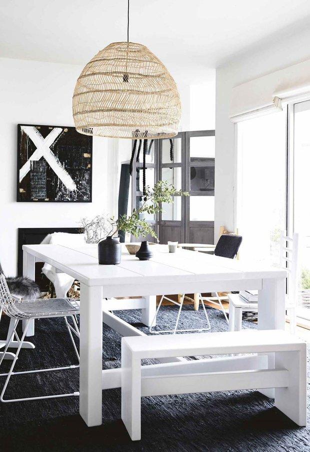 Фотография: Кухня и столовая в стиле Скандинавский, Современный, Дом, Белый, Черный, Серый, Дом и дача – фото на INMYROOM