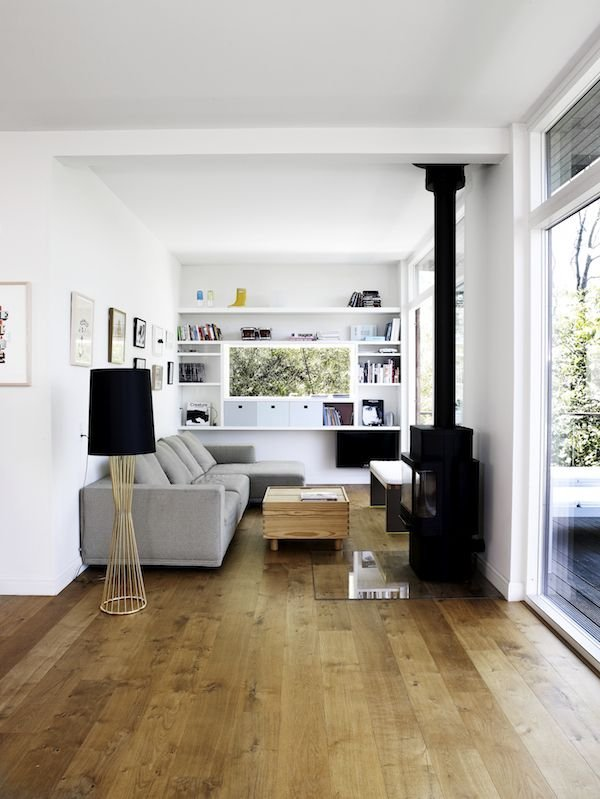 Фотография: Гостиная в стиле Скандинавский, Декор интерьера, Дом, Декор дома, Камин – фото на INMYROOM