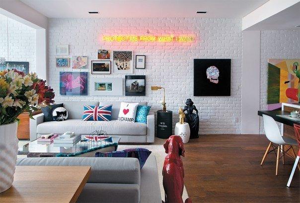 Фотография: Гостиная в стиле Скандинавский, Эклектика, Интерьер комнат, Картины, Зеркало – фото на INMYROOM