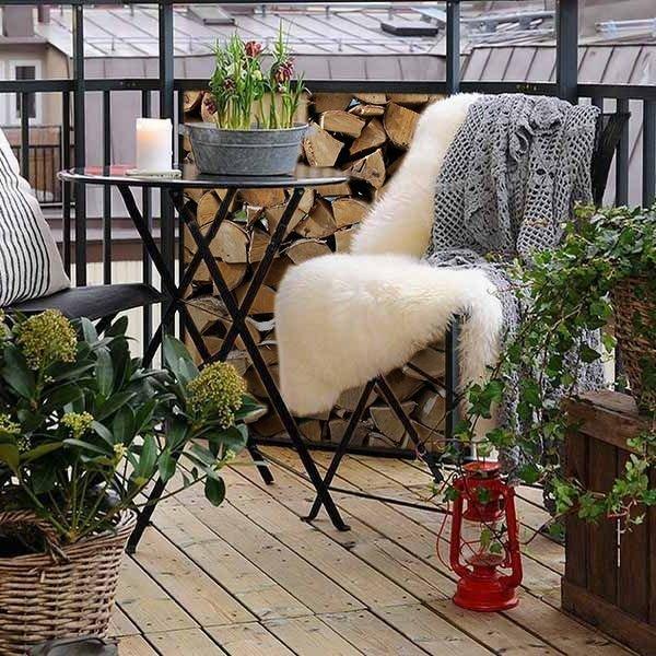 Фотография: Балкон в стиле Скандинавский, Ландшафт, Декор, Терраса, Советы, Мария Шумская, Есения Семипядная, элегантный городской балкон, винтажные вещи на балконе, восточный декор для балкона, балкон в средиземноморском стиле, ландшафтный дизайн для балкона, горизонтальное озеленение, хвойные растения на балконе – фото на INMYROOM
