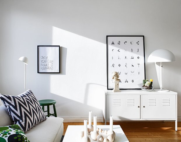 Фотография: Гостиная в стиле Скандинавский, Малогабаритная квартира, Квартира, Швеция, Дома и квартиры, Минимализм – фото на INMYROOM