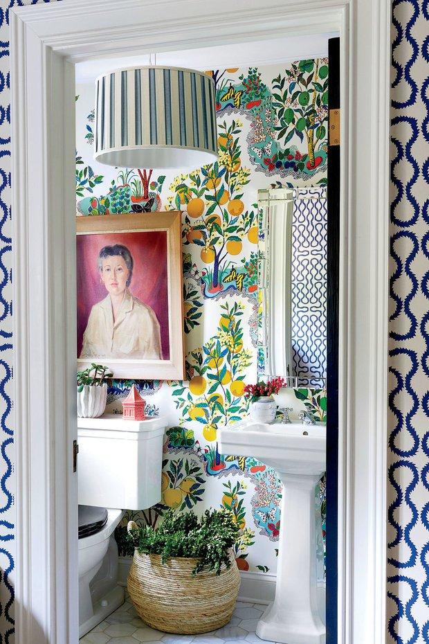 Фотография: Ванная в стиле Прованс и Кантри, Декор интерьера, Дом, США, Аксессуары, Декор, Новый Год, Красный, Дом и дача, как украсить интерьер к новому году – фото на INMYROOM