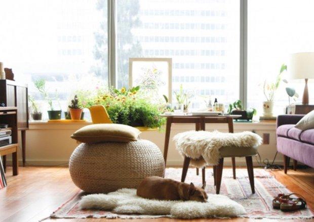 Фотография:  в стиле , Декор интерьера, Аксессуары, Декор, Советы, ИКЕА в интерьере дома, овечья шкура в интерьере – фото на INMYROOM