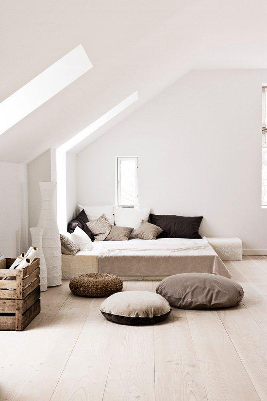Фотография: Спальня в стиле Скандинавский, Современный, Чердак, Мансарда – фото на INMYROOM