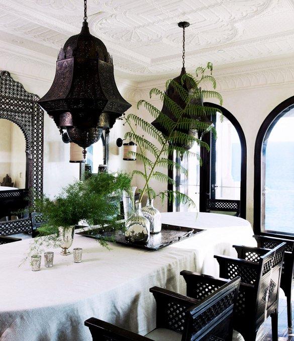 Фотография: Гостиная в стиле Восточный, Декор интерьера, Декор дома, Картины, Окна, Пол – фото на INMYROOM