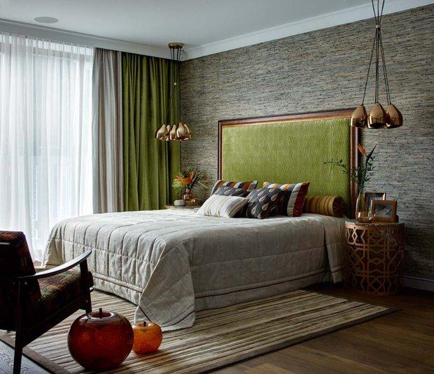 Фотография: Спальня в стиле Эклектика, Ремонт на практике, как поклеить обои, обои в интерьере – фото на INMYROOM