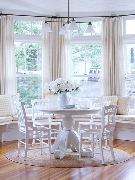 Фотография: Кухня и столовая в стиле Современный, Гостиная, Интерьер комнат, Тема месяца, Шторы – фото на INMYROOM