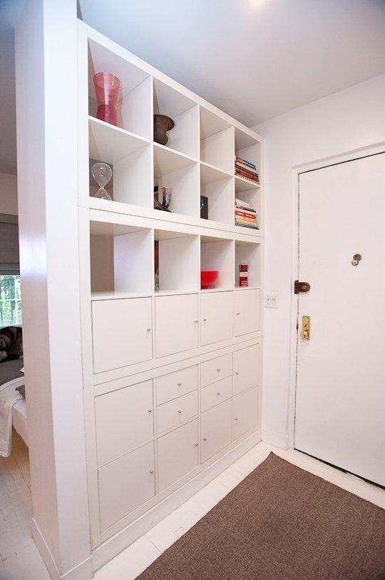 Фотография:  в стиле , Малогабаритная квартира, Квартира, Советы, Бежевый, Бирюзовый, Зонирование, как зонировать комнату, как зонировать однушку, как зонировать однокомнатную квартиру – фото на INMYROOM