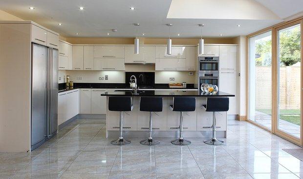 Фотография: Кухня и столовая в стиле Хай-тек, Интерьер комнат, Советы – фото на INMYROOM