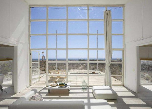Фотография: Гостиная в стиле Современный, Декор интерьера, Дом, Дома и квартиры, Архитектурные объекты, Чили – фото на INMYROOM