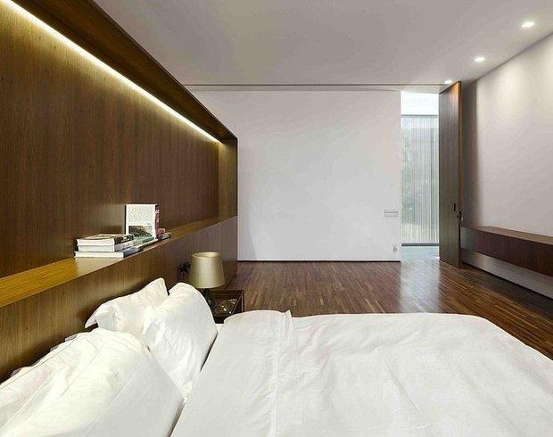 Фотография: Спальня в стиле Современный, Минимализм, Декор интерьера, Декор, Мебель и свет, освещение – фото на INMYROOM