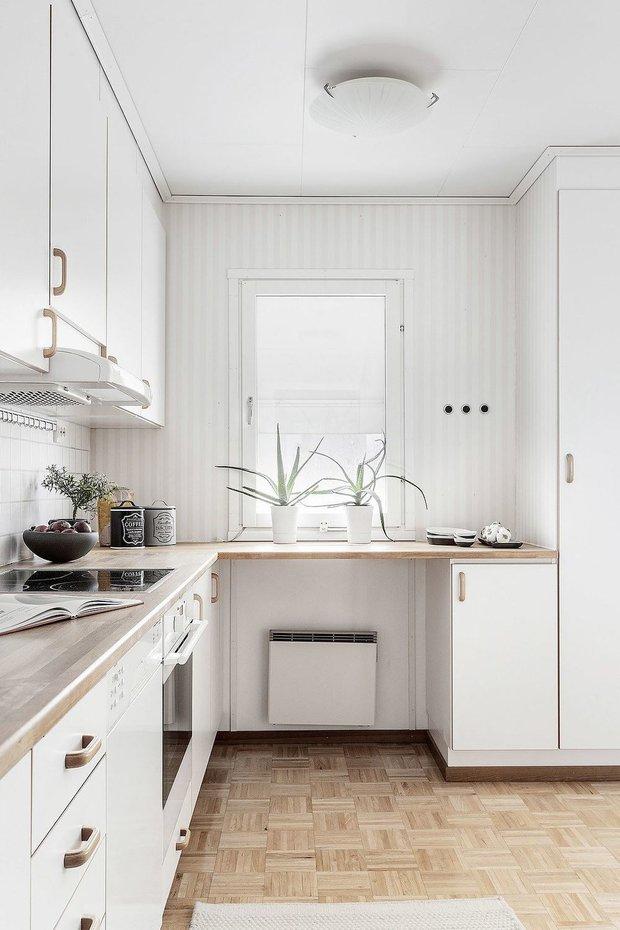 Фотография: Кухня и столовая в стиле Скандинавский, Гостиная, Декор интерьера, Дом, Швеция, Стокгольм, как создать уютную атмосферу, 4 и больше, Более 90 метров, гостеприимный интерьер – фото на INMYROOM