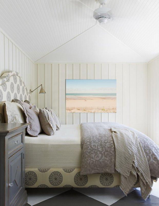 Фотография: Спальня в стиле Скандинавский, Декор интерьера, Декор, Декор дома, Современное искусство – фото на INMYROOM