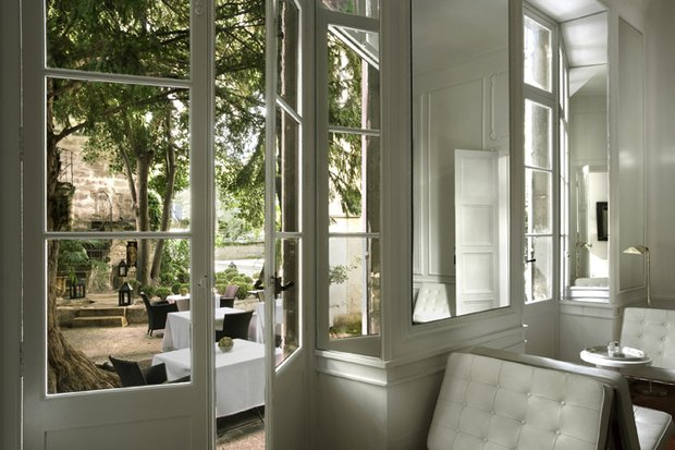 Фотография: Прочее в стиле , Декор интерьера, Малогабаритная квартира, Мебель и свет, Советы, Стены, Зеркало, Окна – фото на INMYROOM