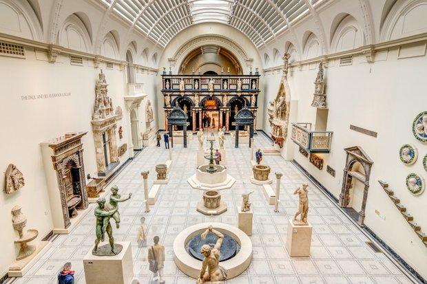 Один из залов Музея Виктории и Альберта