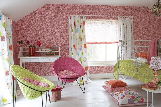 Фотография: Детская в стиле Современный, Декор интерьера, Дизайн интерьера, Мебель и свет, Цвет в интерьере, Стены, Розовый, Фуксия – фото на INMYROOM