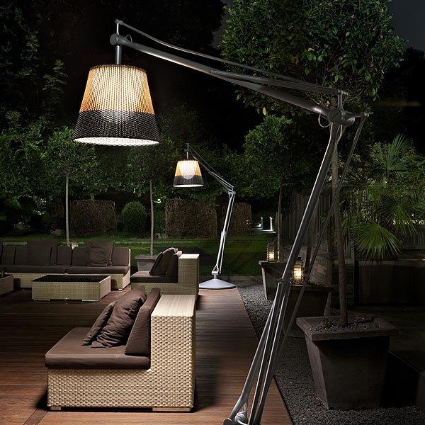 Фотография: Ландшафт в стиле Современный, Flos, Мебель и свет, Терраса, Стиль жизни, Дача, Сад – фото на INMYROOM