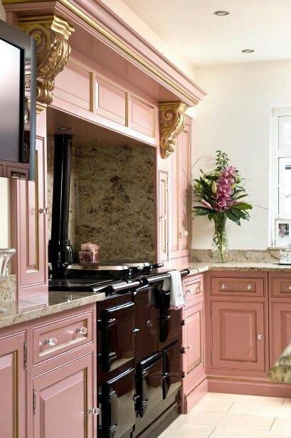 Фотография: Кухня и столовая в стиле Классический, Декор интерьера, Декор, Розовый – фото на INMYROOM