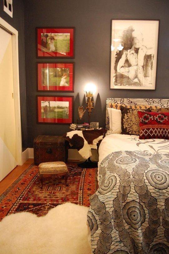 Фотография: Спальня в стиле Эклектика, Интерьер комнат, Подушки, Ковер – фото на INMYROOM