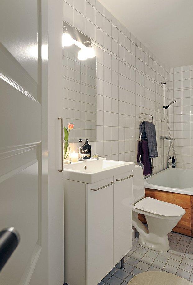 Фотография: Ванная в стиле Скандинавский, Современный, Малогабаритная квартира, Квартира, Швеция, Мебель и свет, Дома и квартиры, Гетеборг – фото на INMYROOM