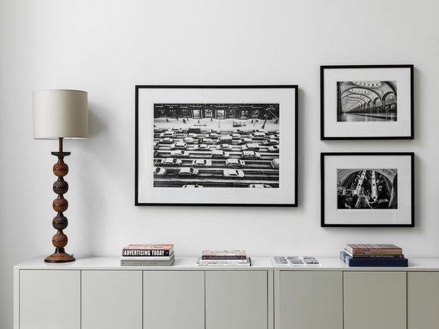 Фотография: Гостиная в стиле Современный, Советы, как сделать интерьер светлее, темная квартира, Ксения Мезенцева – фото на INMYROOM