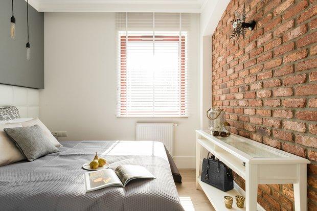Фотография: Спальня в стиле Скандинавский, Декор интерьера, Малогабаритная квартира, Польша – фото на INMYROOM