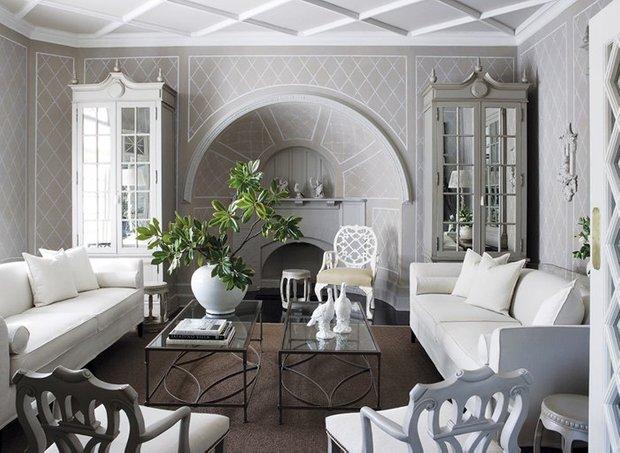 Фотография: Гостиная в стиле , Декор интерьера, Архитектурные объекты, Потолок – фото на InMyRoom.ru