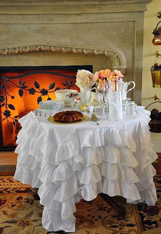 Фотография: Кухня и столовая в стиле Прованс и Кантри, Классический, Современный, Декор интерьера, Текстиль, Подушки, Шторы – фото на INMYROOM