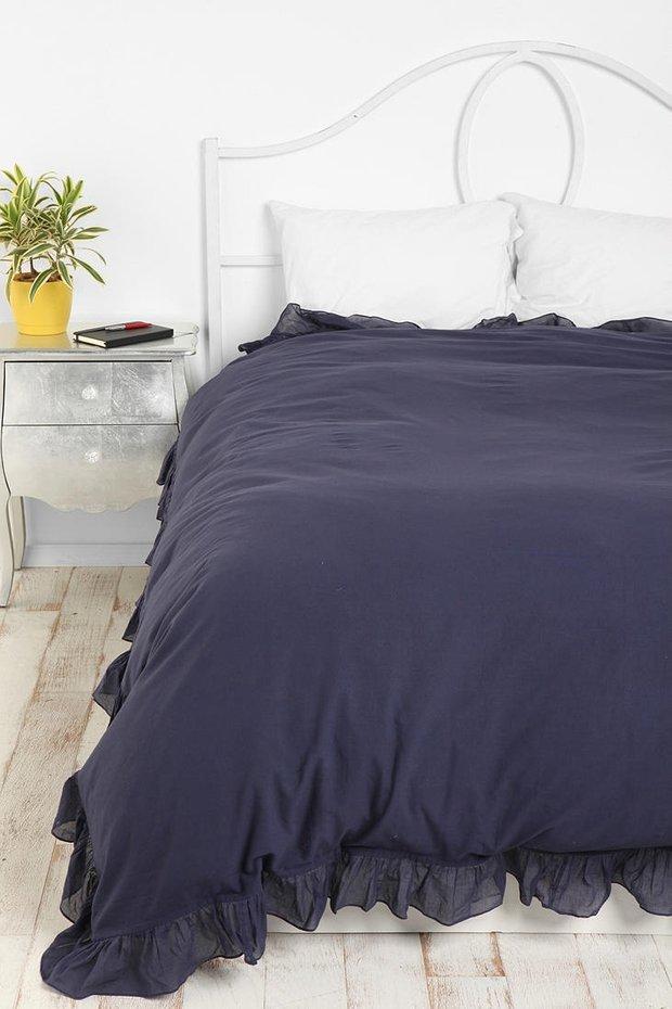 Фотография: Спальня в стиле Классический, Современный, Декор интерьера, Текстиль, Подушки, Шторы – фото на INMYROOM
