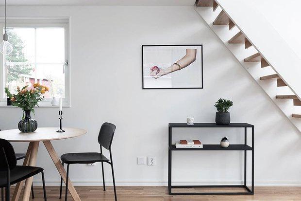 Фотография: Кухня и столовая в стиле Скандинавский, Дом, Швеция, Белый, Минимализм, Стокгольм, Серый, Дом и дача, до 40 метров – фото на INMYROOM
