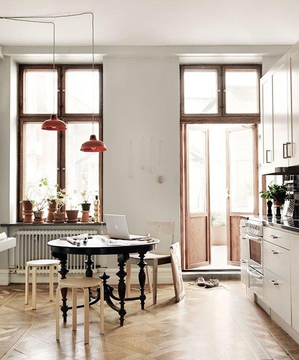 Фотография: Кухня и столовая в стиле Скандинавский, Декор интерьера, Советы, Подоконник – фото на INMYROOM