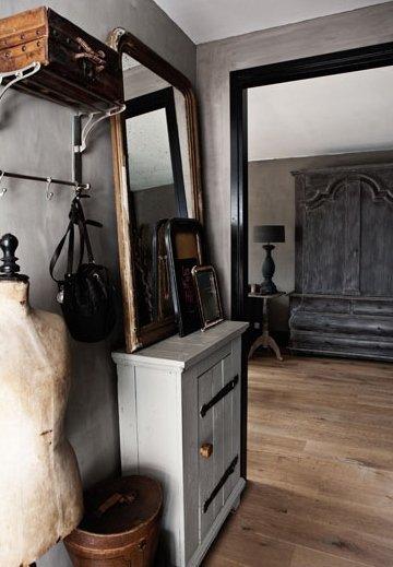 Фотография: Прихожая в стиле Лофт, Дом, Цвет в интерьере, Дома и квартиры, Серый – фото на InMyRoom.ru